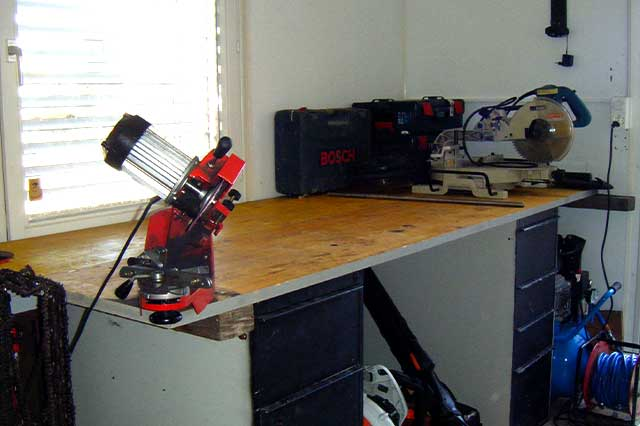 Büro/Werkstatt-Container neu organisiert