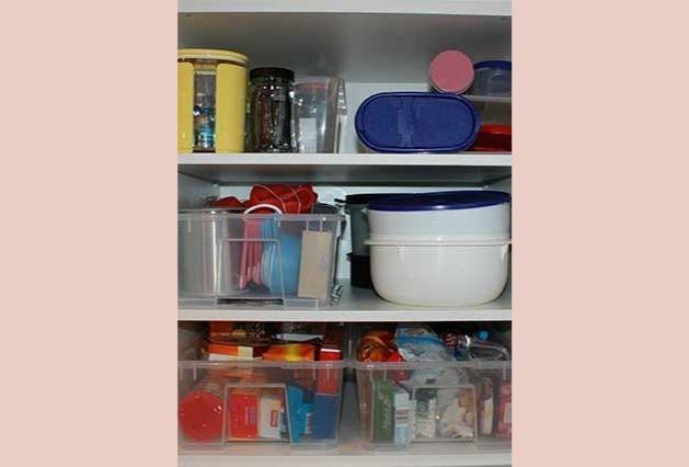 Geld sparen mit organisierten Küchenschränken!
